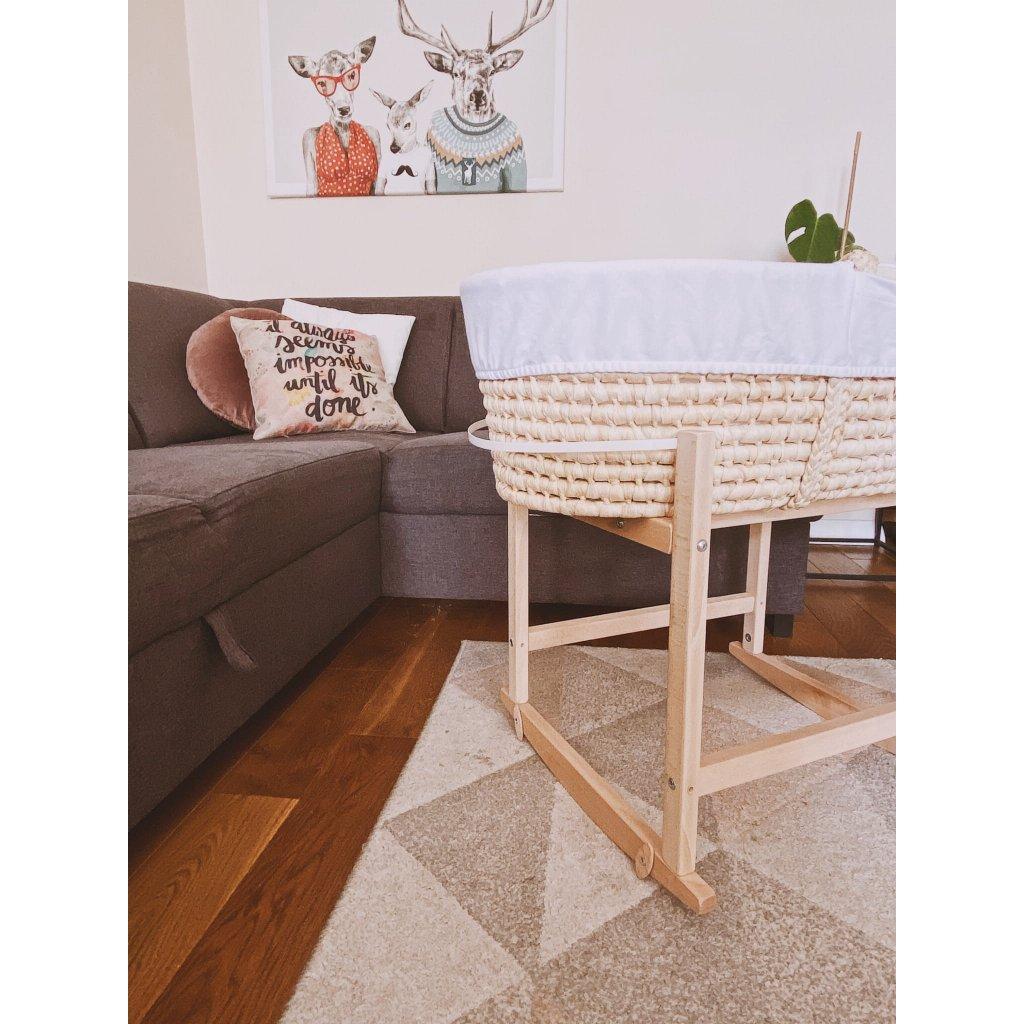 Ahojbaby Houpací stojan na Mojžíšův košík pro miminko RockingBaby Natural bez laku s košíkem Corn