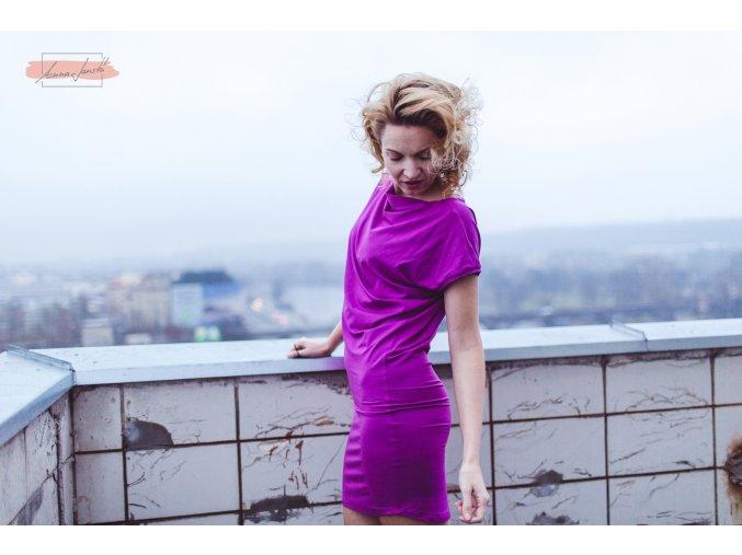 Rosmarina šaty krátký rukáv růžovofialová