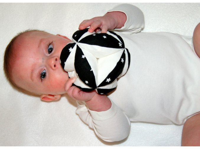 Úchopový míček černobílý hvězdy