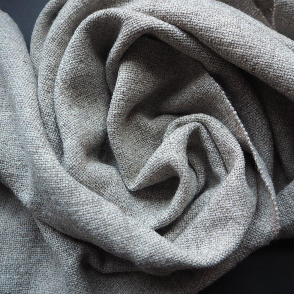 Ručně předená a ručně tkaná šála č. 425