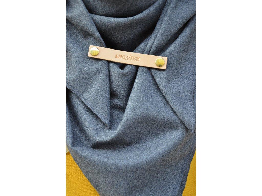 Šedý vlněný šátek