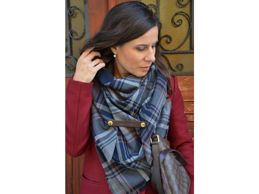 Kostkovaný šátek
