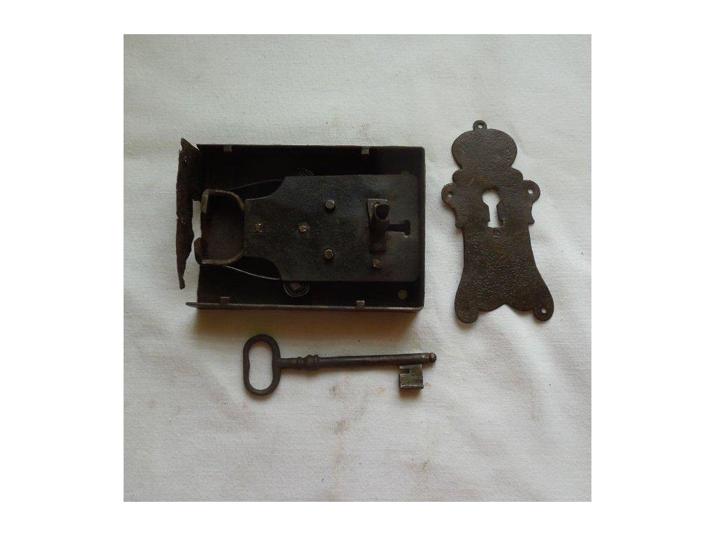antikový zámek do truhly s klíčem,antikový zámek do truhly s klíčem,antikový zámek do truhly s klíčem