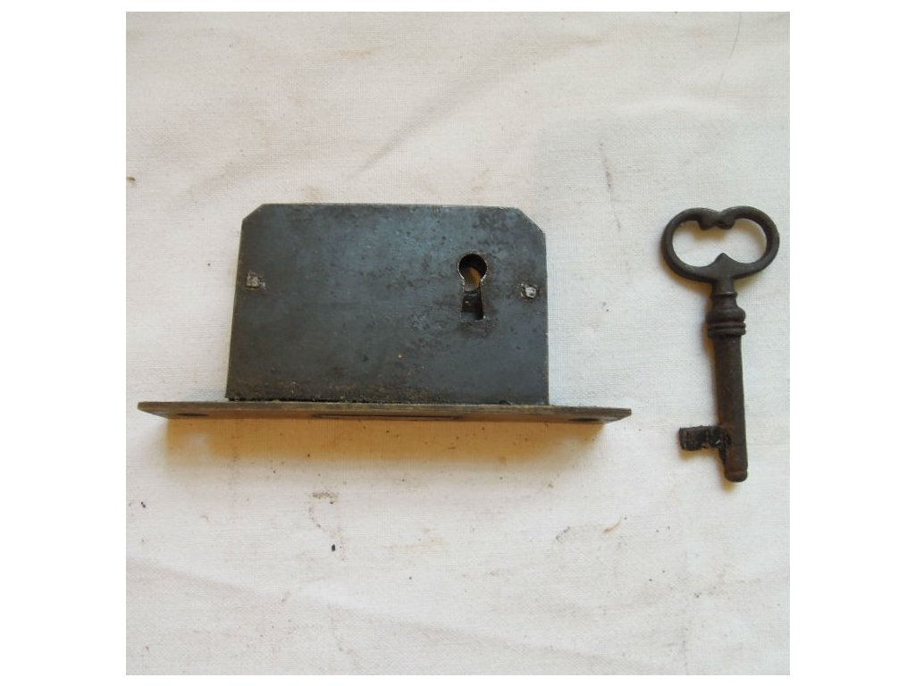 antikový zámek s klčíem,antikový zámek s klíčem,antikový zámek s klíčem