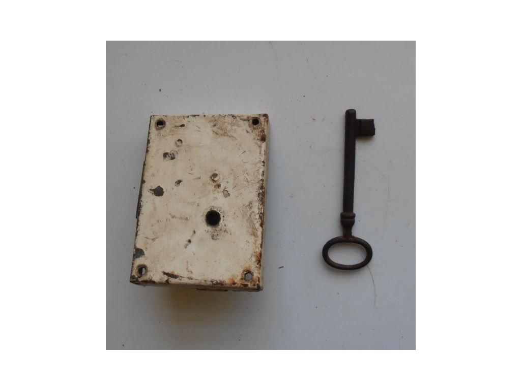 antikový zámek na dveře s klíčem,antikový zámek na dveře s klíčem,antikový zámek na dveře s klíčem
