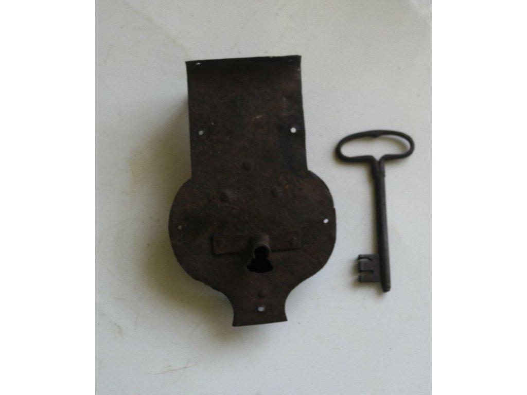 antikový zámek na truhlu s klíčem,antikový zámek na truhlu s klíčem,antikový zámek na truhlu s klíčem