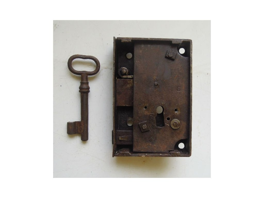 antikový zámek  s klíčem,antikový zámek  s klíčem,antikový zámek  s klíčem,antikový zámek  s klíčem
