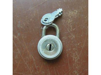 antikový visací zámek s klíčem,antikový visací zámek s klíčem