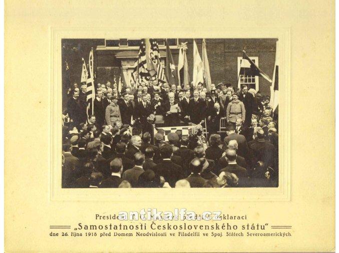 President T. G. Masaryk předčítá deklaraci