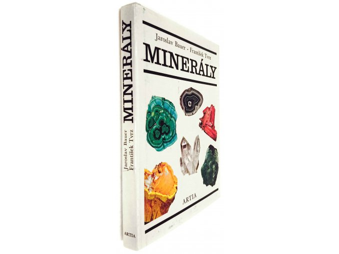 44 434 mineraly 2