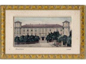 46 016holesov zamek