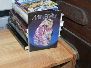Minerály (12 pohlednic + brožura)
