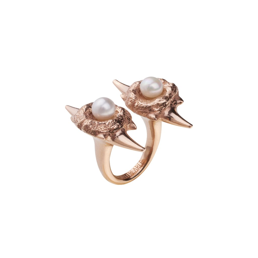 Double blacktip pearl ring-gold