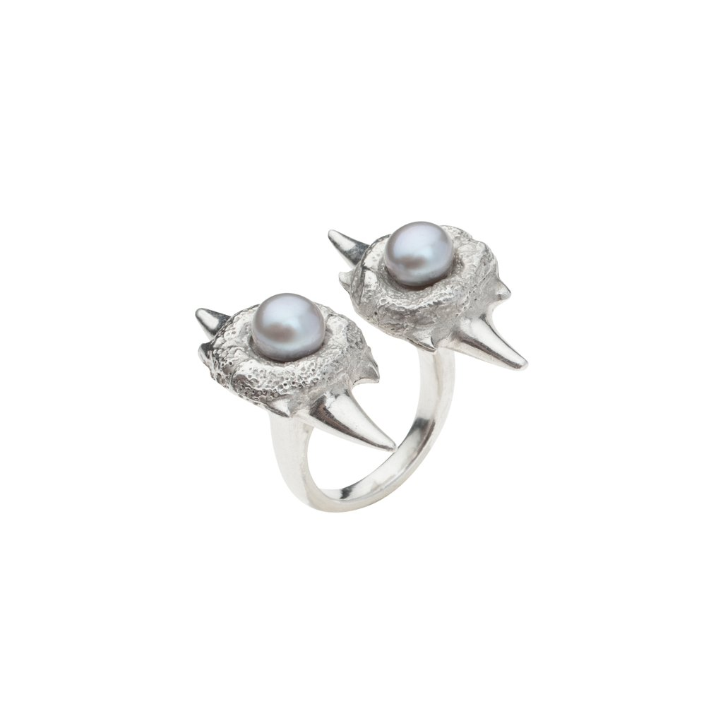 Double blacktip pearl ring-silver