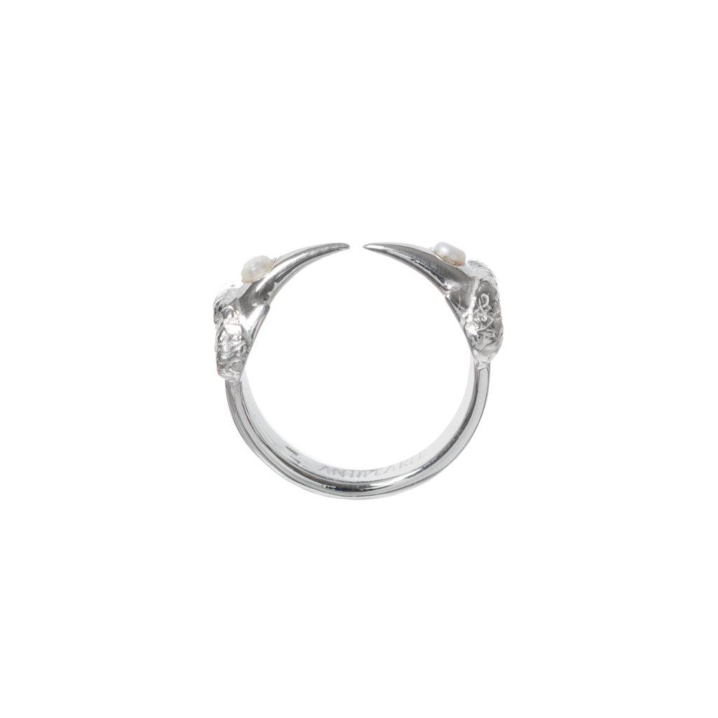 Hammerhead pearl ring- silver