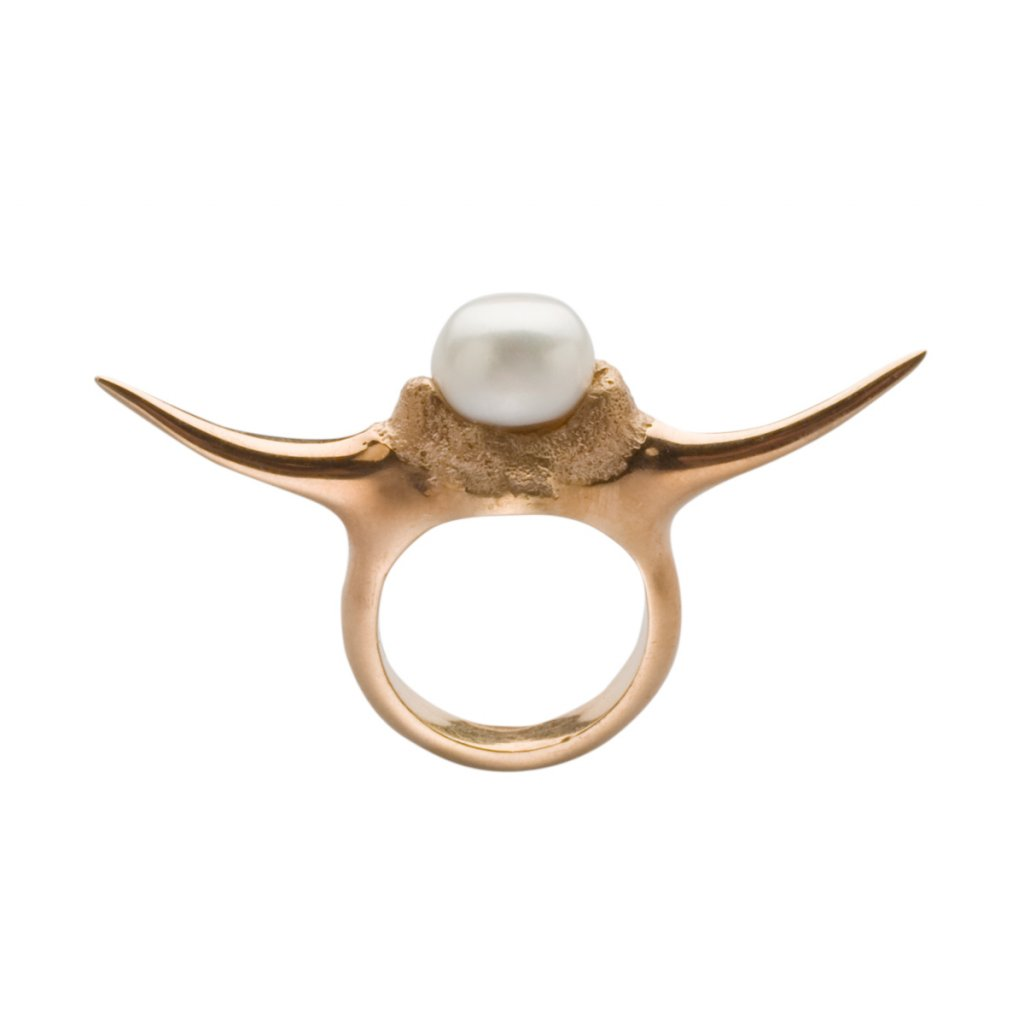 Fang up pearl ring - gold-plated silver