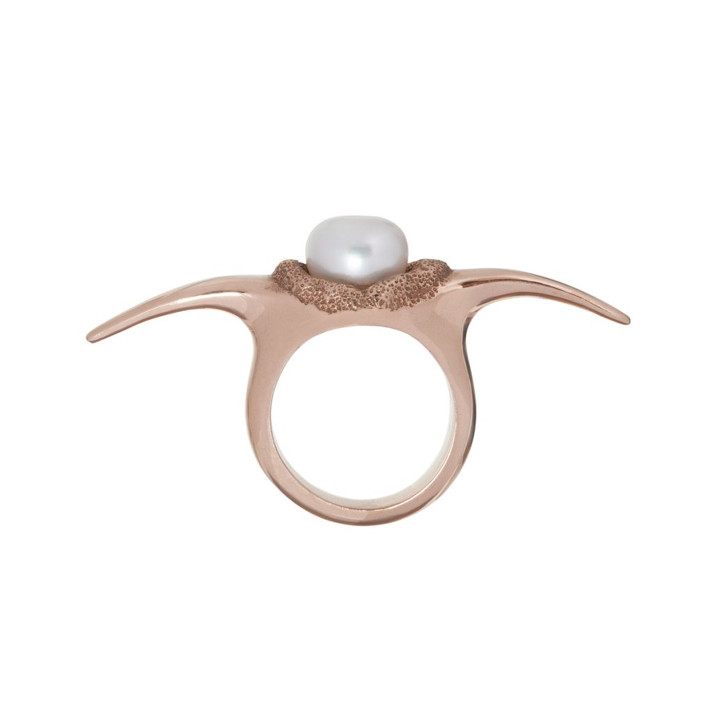Fang down pearl ring - gold-plated silver