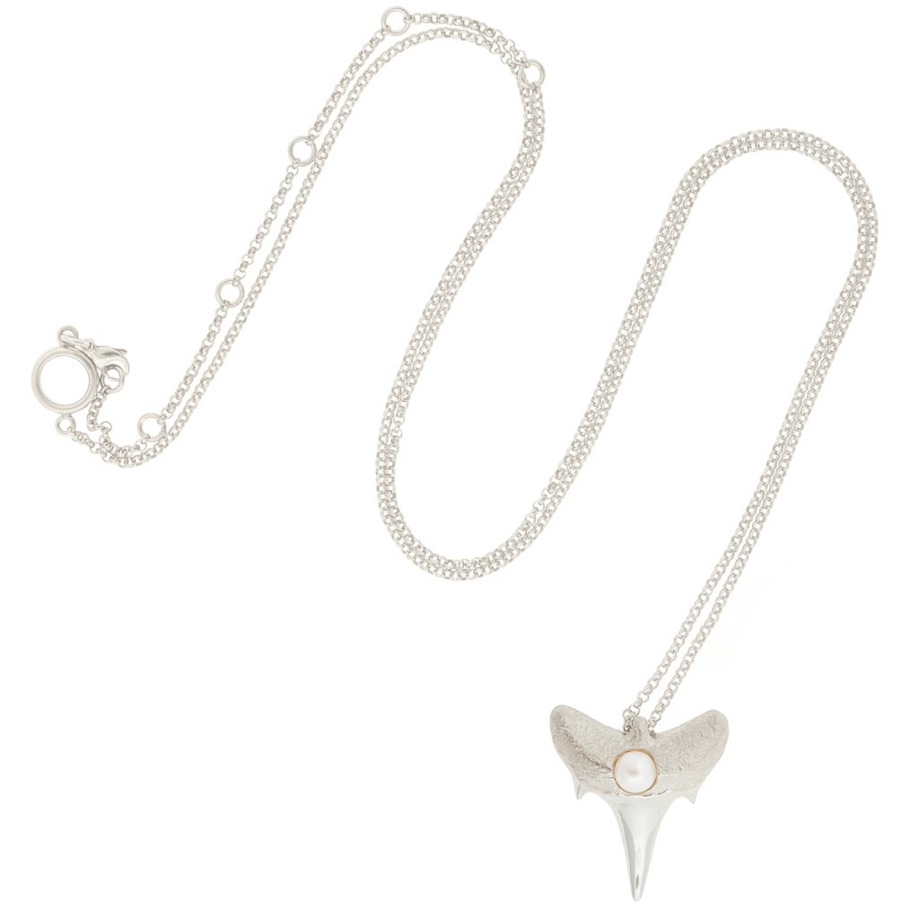 Shark tooth pendant L - silver