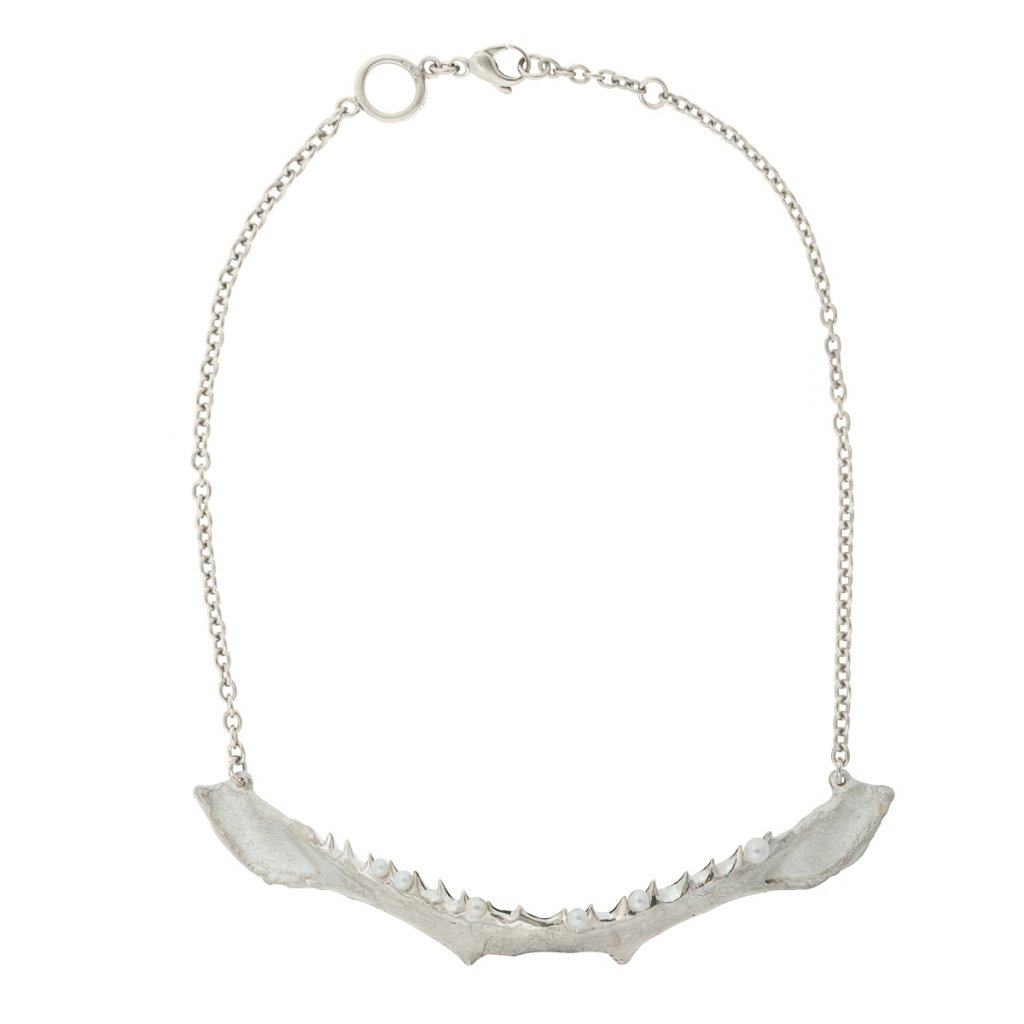 Jaw multi pearl necklace - silver
