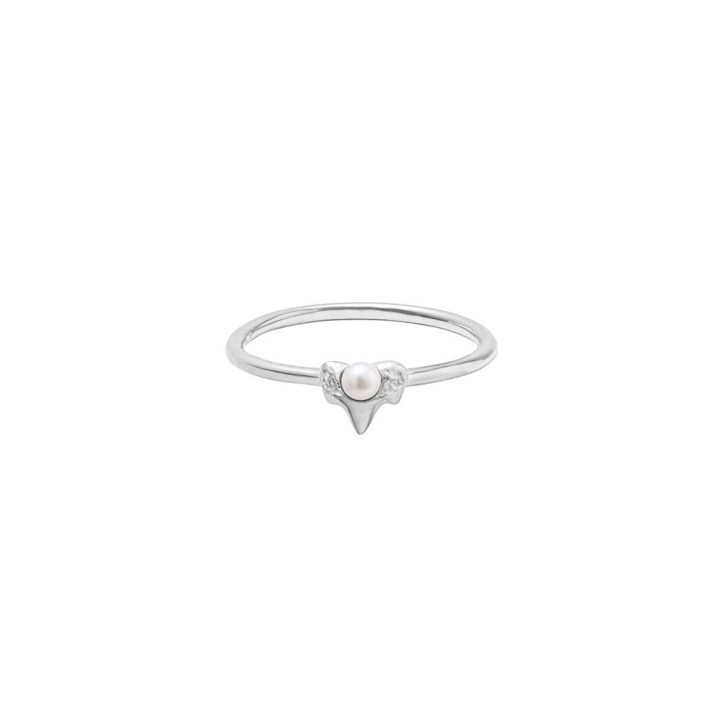 Petite A ring - 14kt white gold