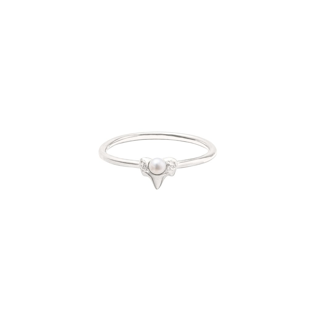 Petite A ring - silver