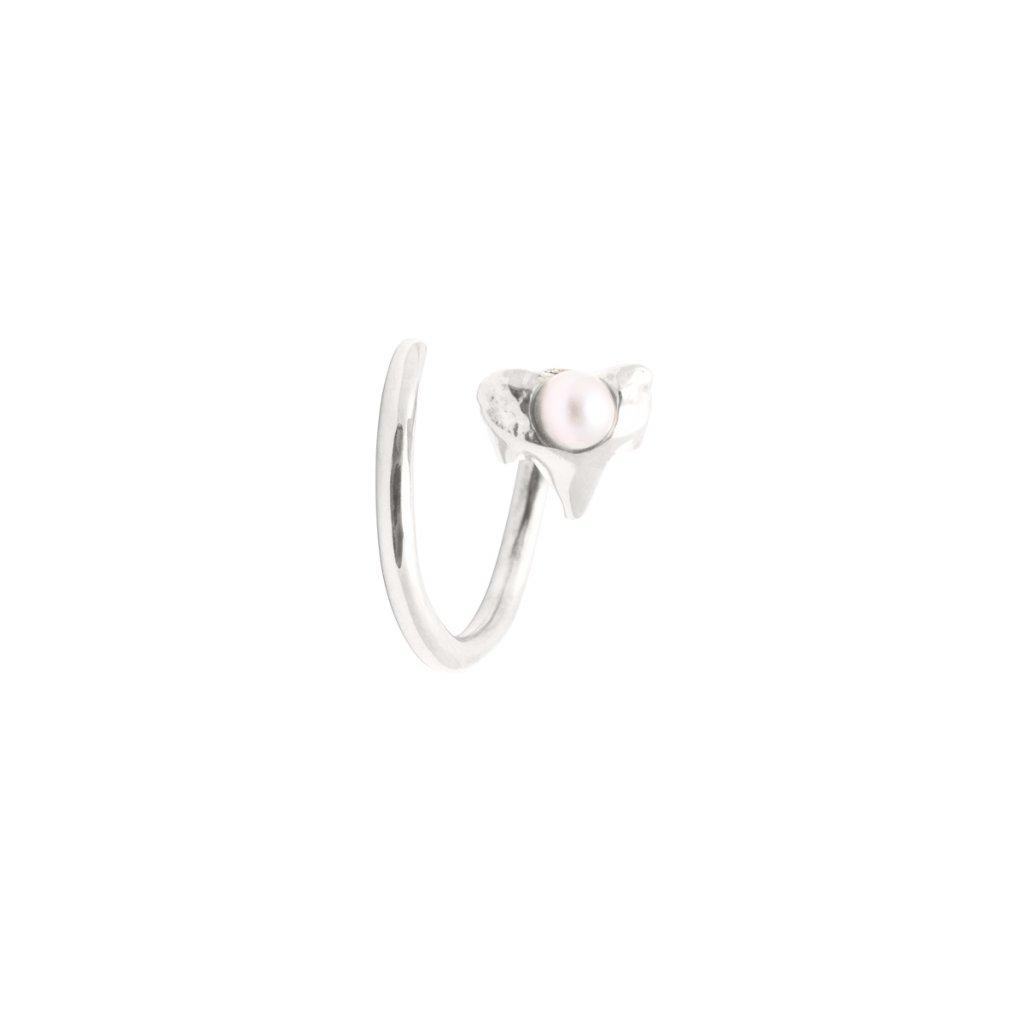 Petite A twist earring Right- silver