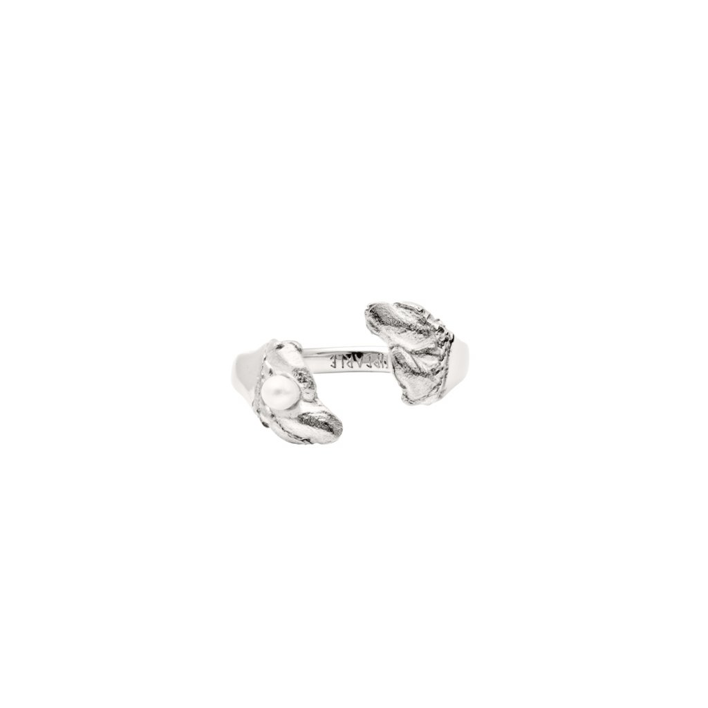 Esther pearl ring B - silver