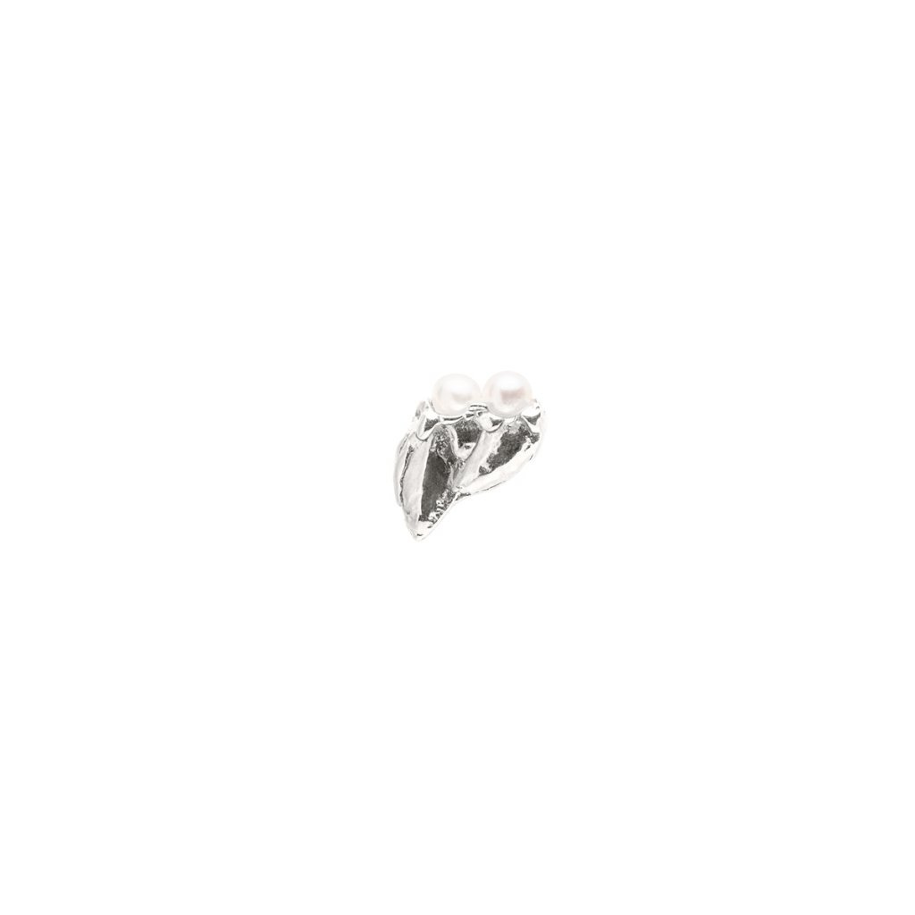 Ava pearl earring C - right - silver