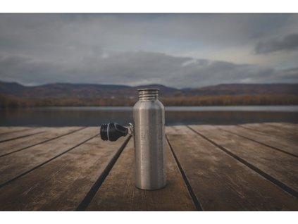 trash hero lahev na vodu