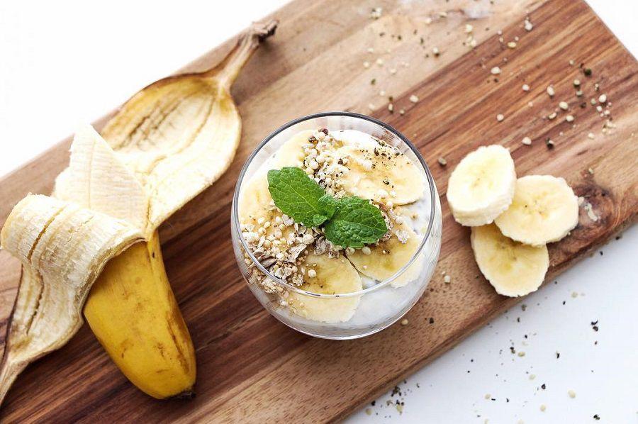 Recept: Chia pudink s banánem a domácí granolou