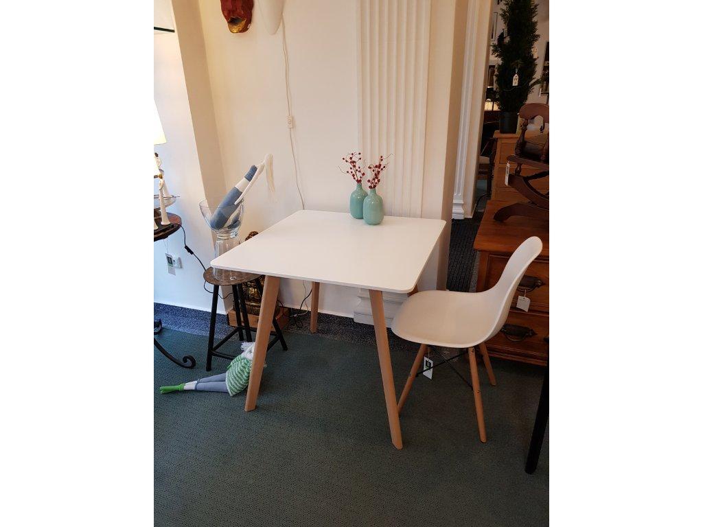 Jídelní stůl AQ-S-003
