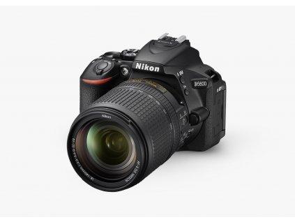 Nikon D5600 AF S DX Nikkor 18 140mm f3.5 5.6G ED VR