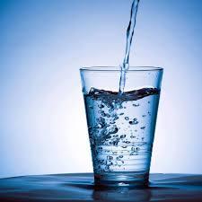 Čo je vodíková voda a prečo je dobré ju piť?