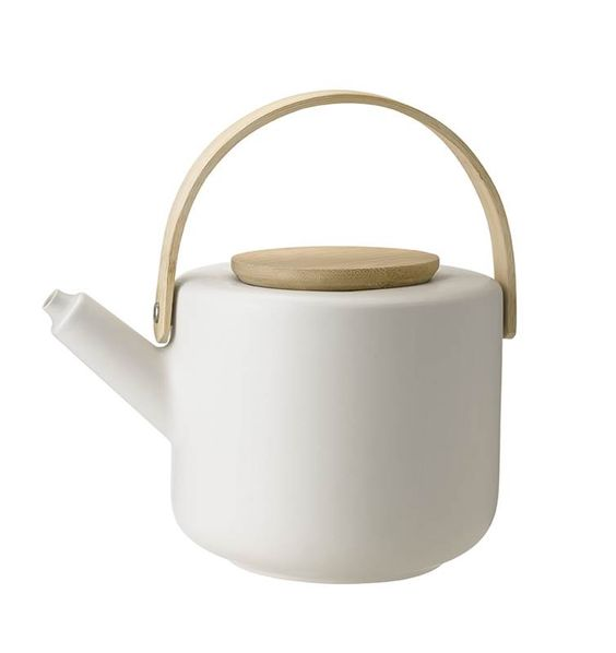 Theo_teapot_sand