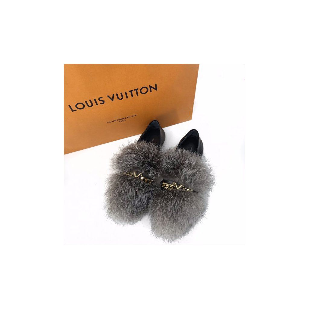 LOUIS VUITTON Black Upper Case Loafer with Fur 39