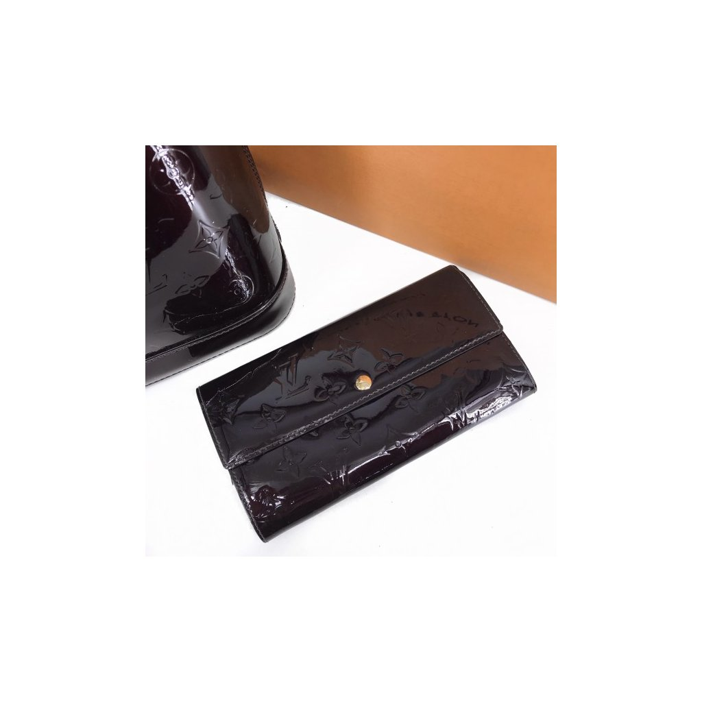 LOUIS VUITTON Amarante Monogram Vernis Leather Sarah Wallet