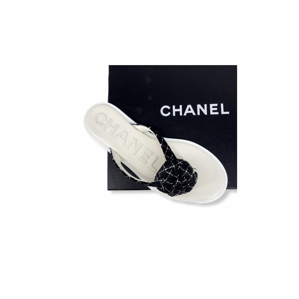 CHANEL Black & White Flip-Flops