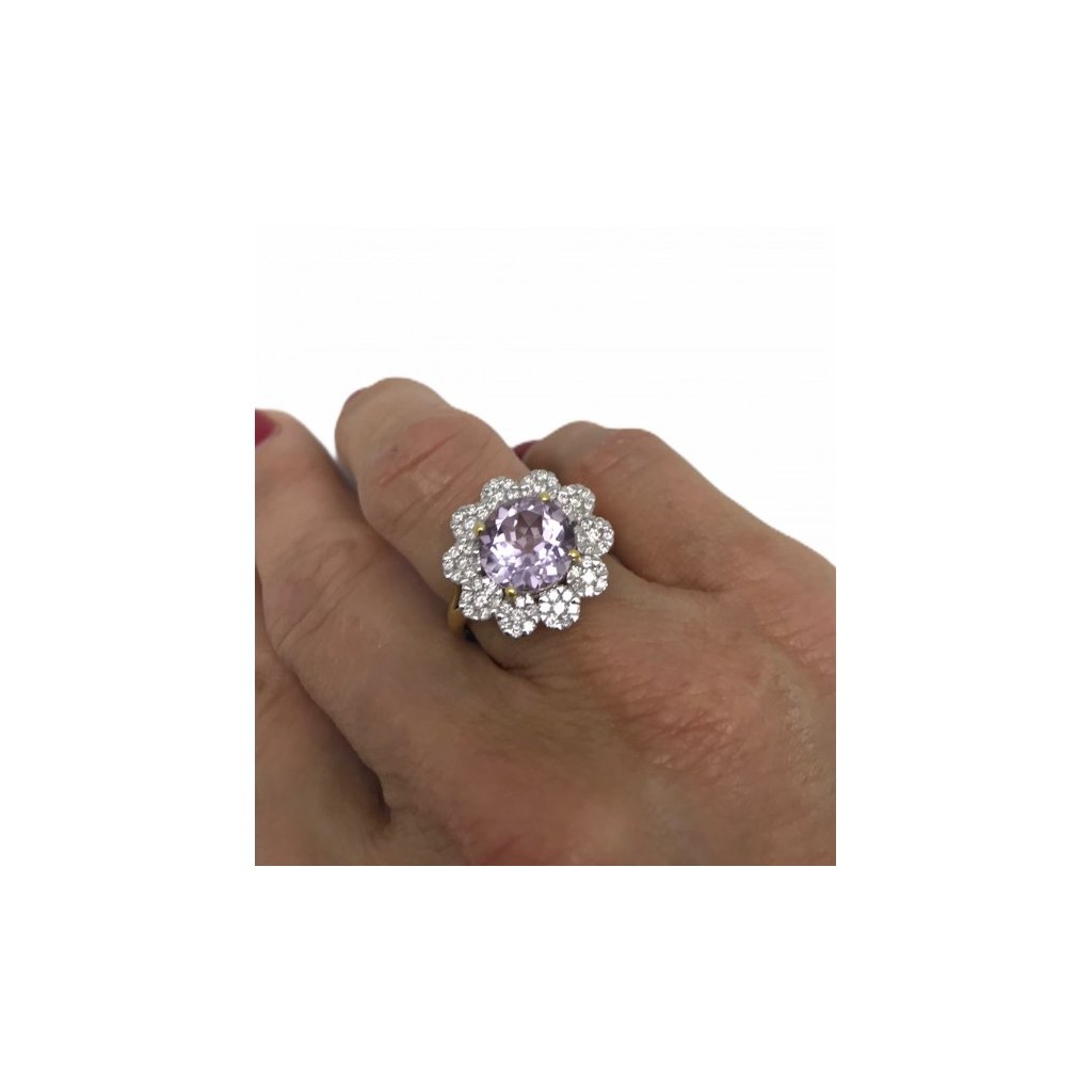Prsten s brilianty a ametystem