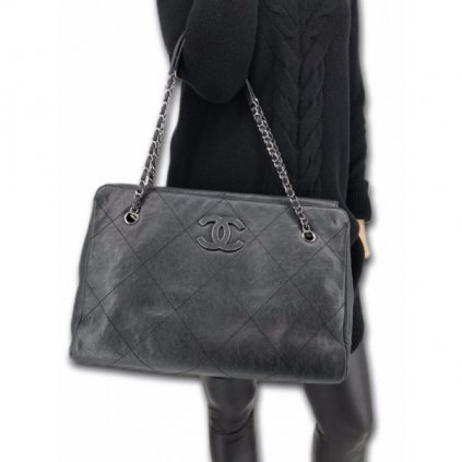 CHANEL Black Caviar Handbag M