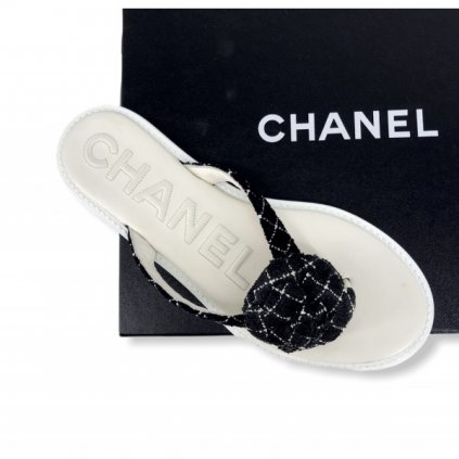 CHANEL Black & White Flip-Flops 38,5