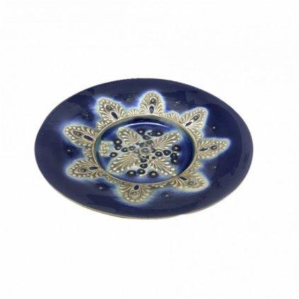 Modrý keramický talíř