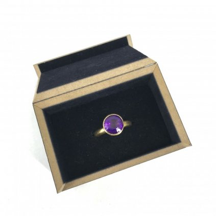 18kt Gold Ring with Amethyst