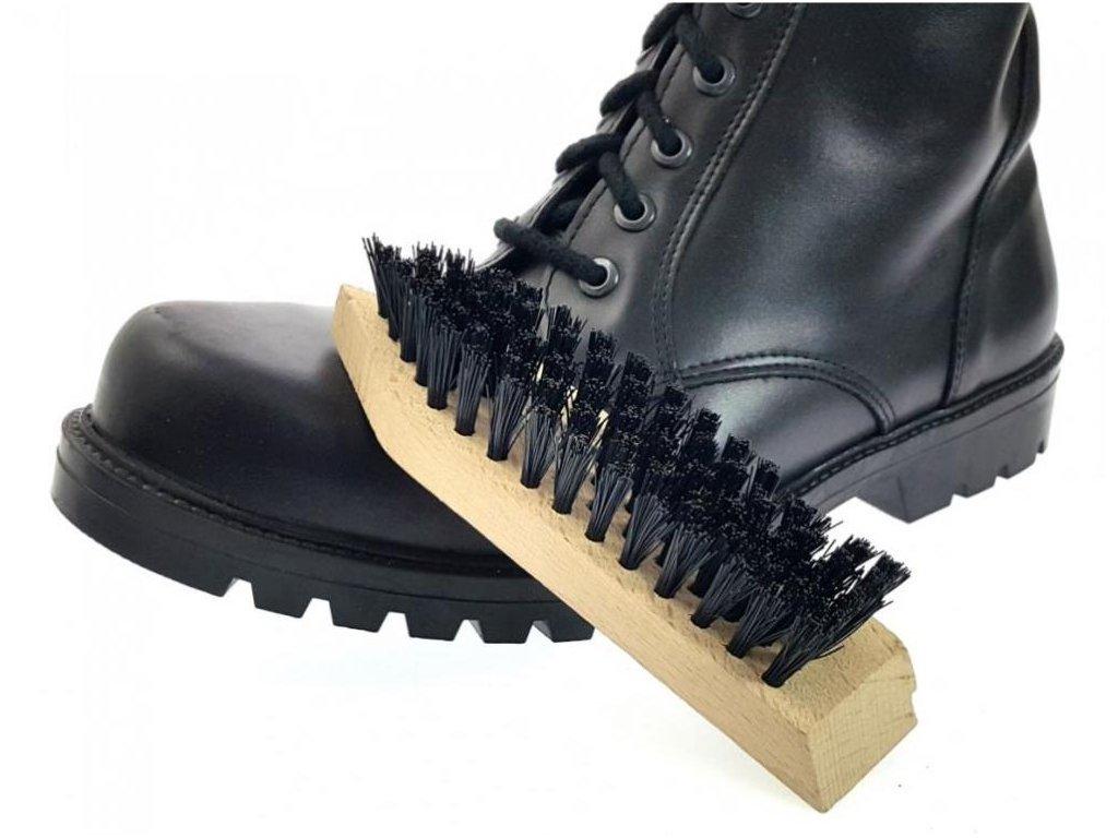 Kartáč na boty čistící