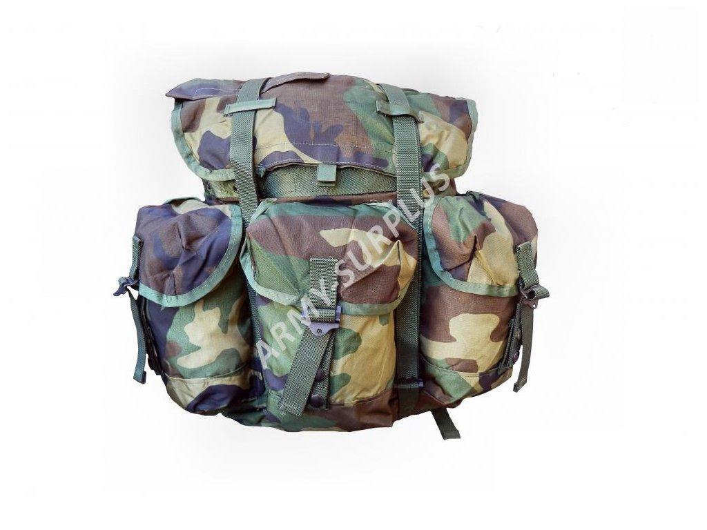 399a451d03 ... Batoh US ALICE woodland USMC pro radisty + treky komplet radio carrying  case ...