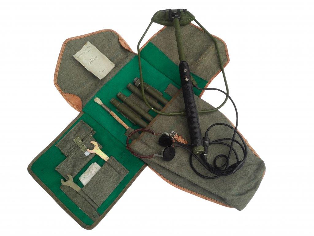 ARMÁDNÍ ORIGINÁL ČSLA Vojenský detektor kovů W4-P (minohledačka) originál funkční