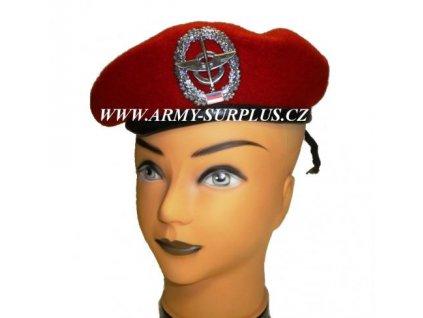 baret-bw--bundeswehr--cerveny-s-odznakem