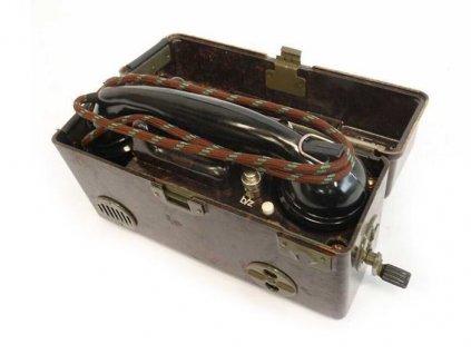 Polní telefon ČSLA TP-25 (telefonní přístroj)