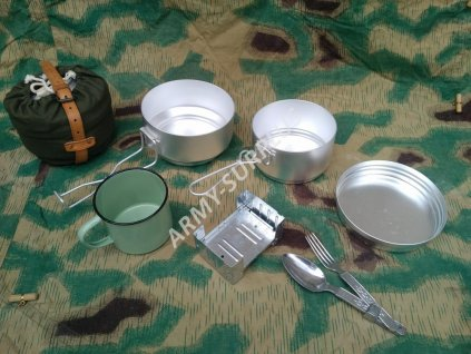 Jídelní set originál retro II (campingová souprava,ešus,obal,příbor,vařič,smaltovaný hrnek,řemínek,ČSLA,AČR)