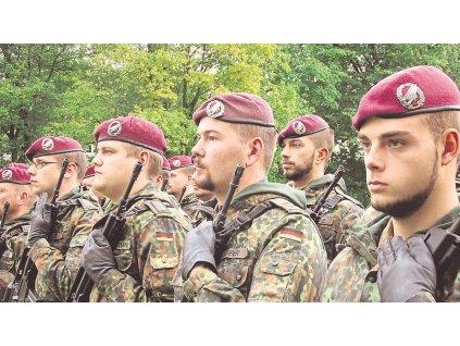 Odznak na baret BW (Bundeswehr) FALLSCHIRMJÄGER Výsadkář