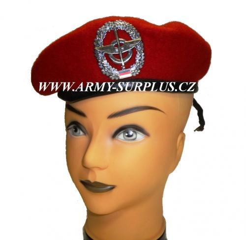 ARMÁDNÍ ORIGINÁL BW BUNDESWEHR Baret BW (Bundeswehr) červený s odznakem Vyberte velikost: 59
